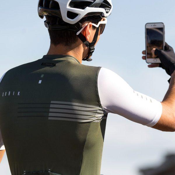 maillot-hombre-corto-stark-lander-warm-2020-coleccion-verano_gobik_2020-verde-3