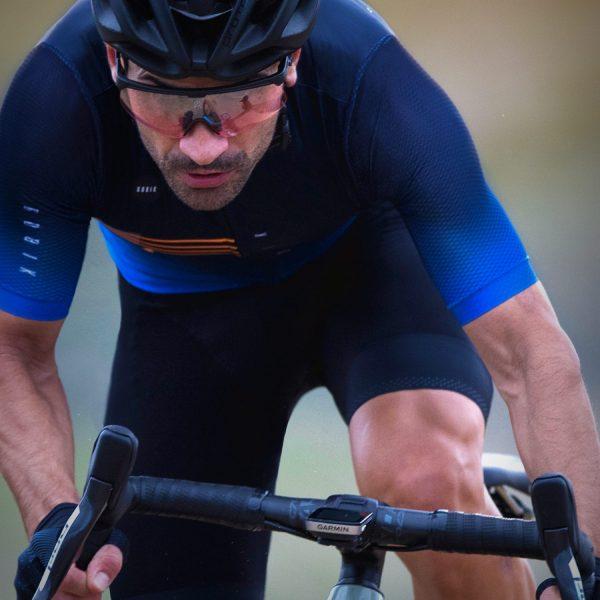 maillot-unisex-corto-attitude-warm-2020-coleccion-veranol_gobik_2020-azul-4