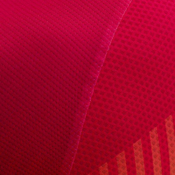 Decca-zebra-red-1200x1200-arm2